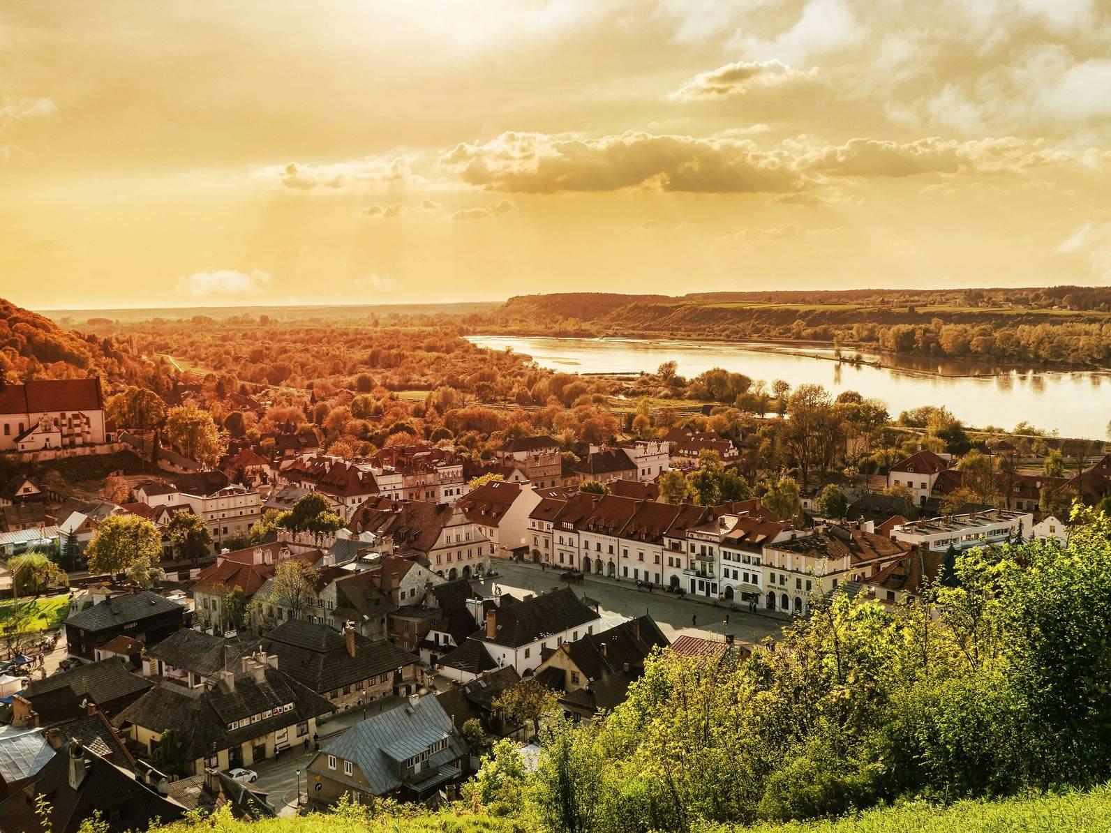 Thị trấn Kazimierz Dolny bên cạnh con sông Vistula xinh đẹp