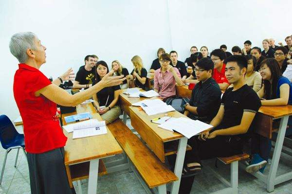 Học ngành ngôn ngữ Anh